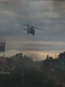 Helicóptero lanza gas en Crucero de Hacienda Blanca